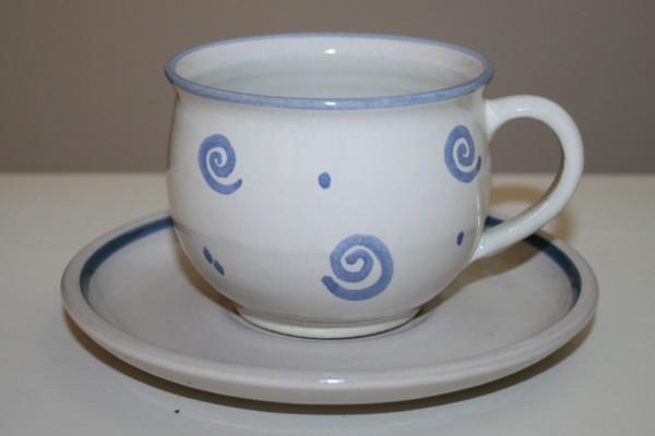 Kaffeetasse mit Untertasse, blau Spirale