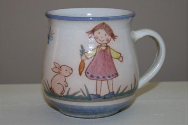 Kindertasse, Mädchen mit Hase