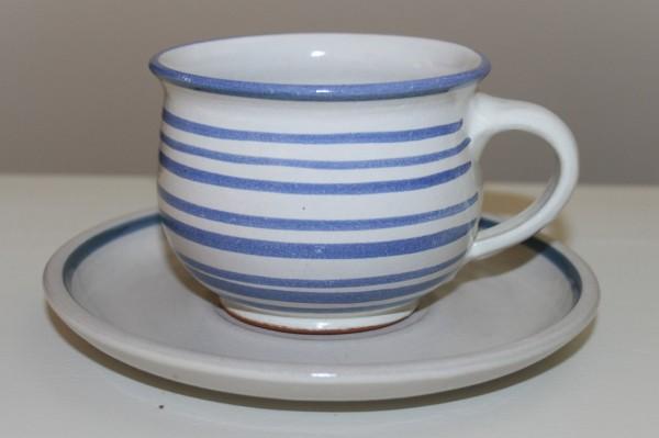 Kaffeetasse mit Untertasse, Streifen