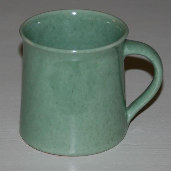 Tasse grün, Bechertasse